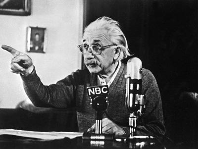Einstein-pressconference1950-thumb